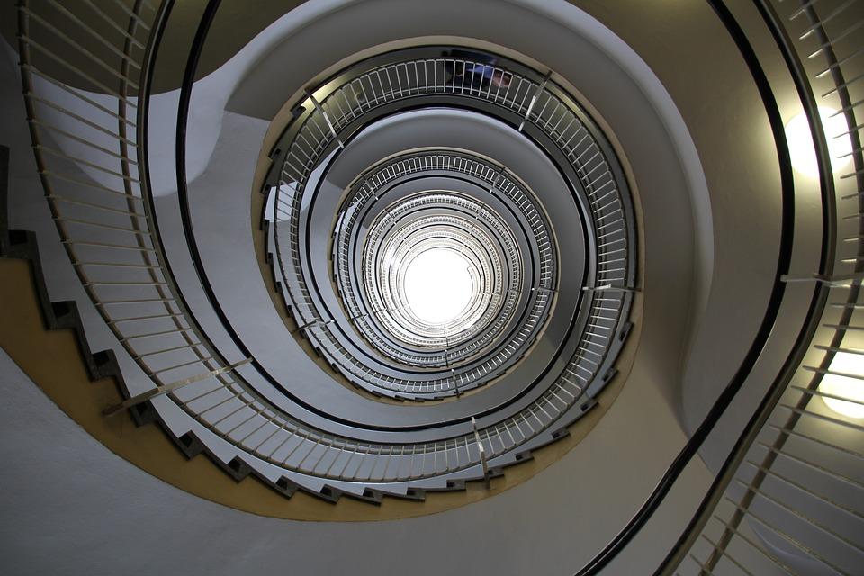 les diff rents types d 39 escaliers et de marches. Black Bedroom Furniture Sets. Home Design Ideas
